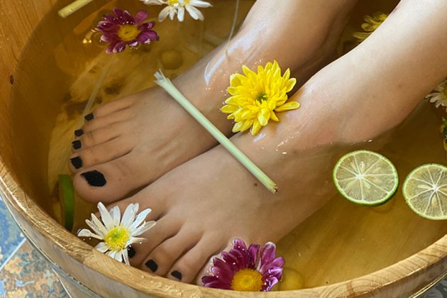 ngâm chân thảo dược có tác dụng gì?