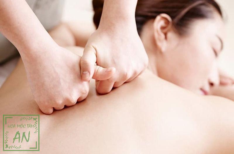 Đấm lưng được cho là một phương pháp dưỡng sinh