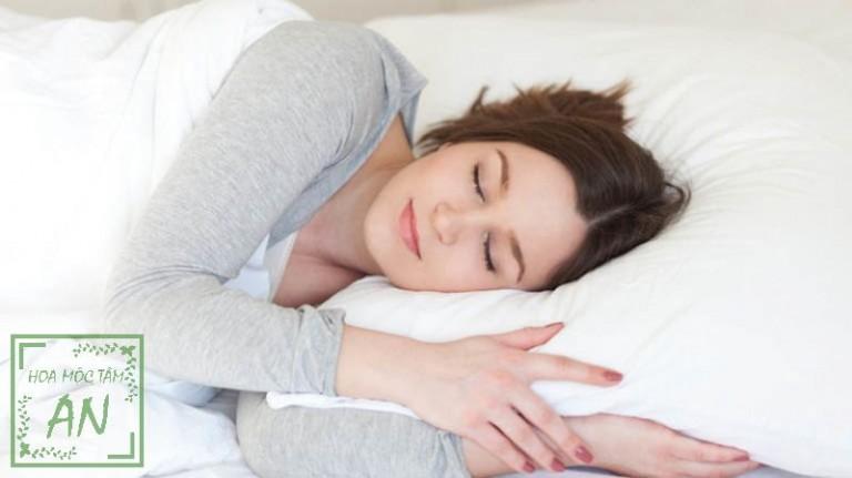 Hãy đi ngủ sớm và tạo cho bản thân một giấc ngủ tốt.