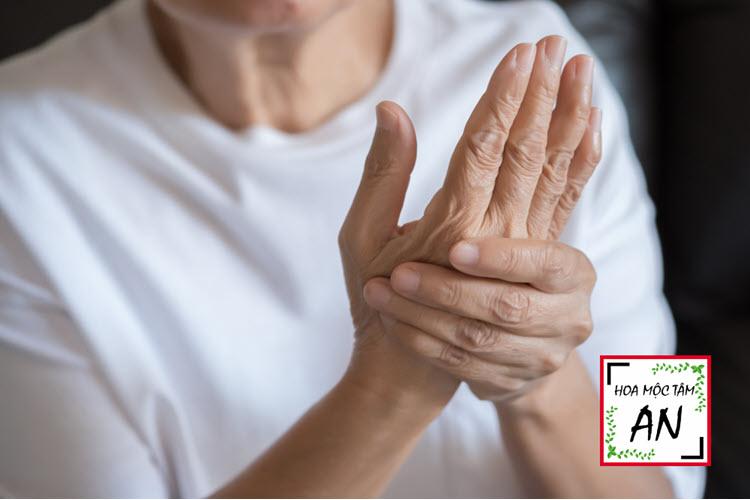 Hội chứng De Quervain dẫn đến đau tay