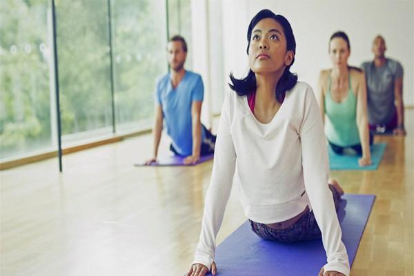 bài tập yoga chữa đau lưng của nguyễn hiếu